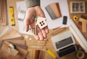 Haus / Eigentumswohnung erben als Lebensgefährte