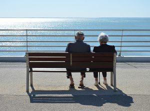 Ehegatten/eingetragene Partner haben in Österreich ein Recht auf einen Pflichtteil.